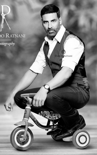 Akshay Kumar Lets His Playful Side Out  For Dabboo Ratnani's Celebrity 2015 Calendar