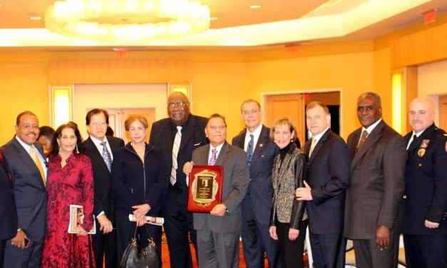 Dr. Parveen Chopra Receives Presidential Philanthropy Award  From Martin Luther King Birthday Celebration Committee